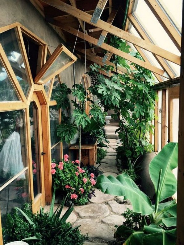 17 Amazing Greenhouse Earthship Home Design Made Of Recycled 03