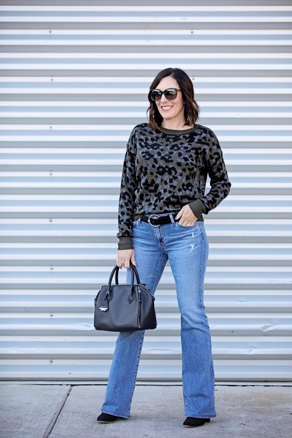 17 Incredible Flared Jeans Fall Winter Outfits Ideas 24