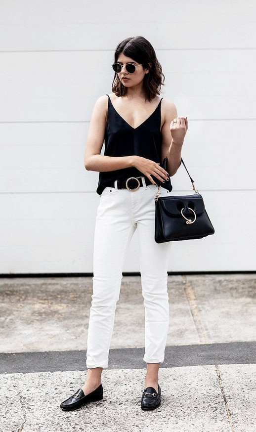 21 Fascinating Black And White Summer Outfit Ideas 16