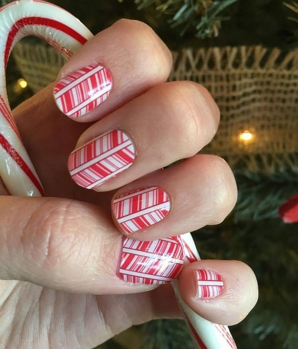 20 Fashionable Patterns For Winter Nail Arts 20