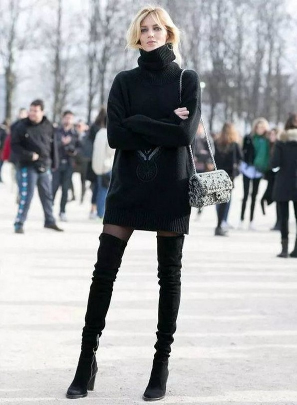 22 Ways To Combine Winter Boots And Sweaters 25
