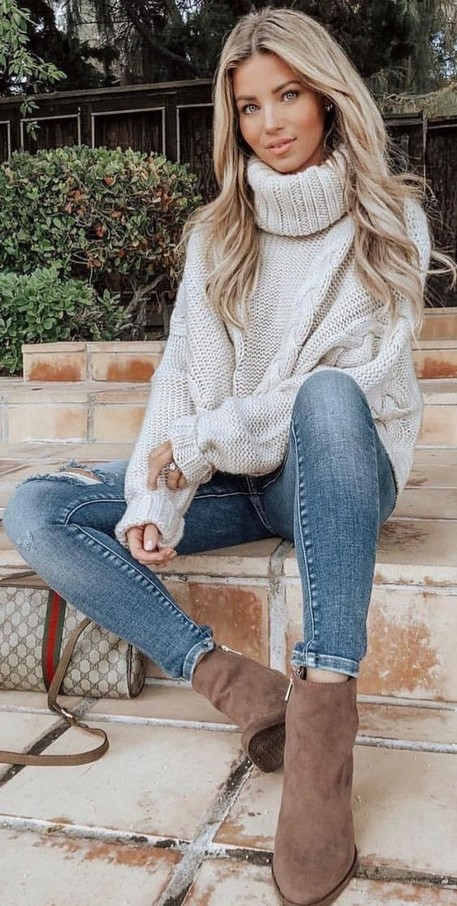 23 Top Crochet Fashion Share Their Go To Winter Styling Tips 29